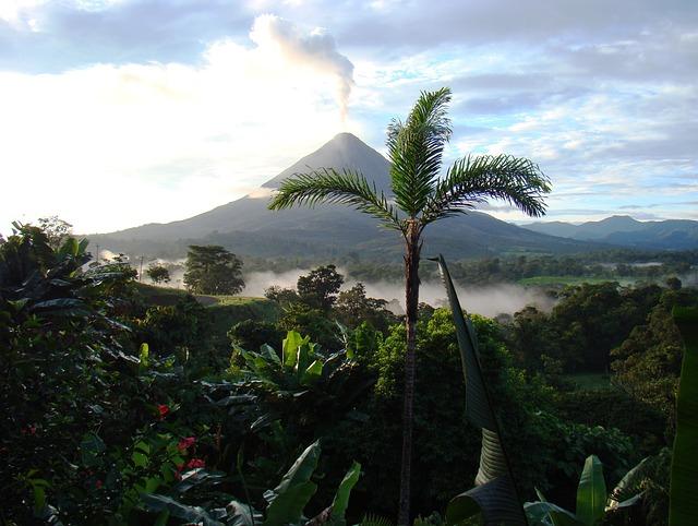 טיול מאורגן לקוסטה ריקה, ארנל